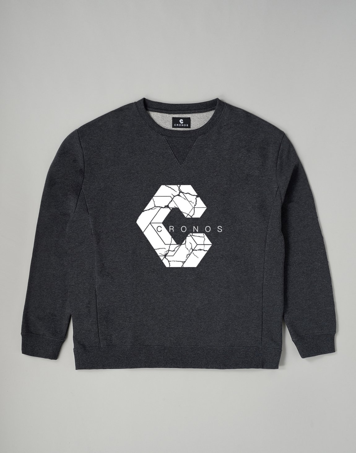 <img class='new_mark_img1' src='https://img.shop-pro.jp/img/new/icons1.gif' style='border:none;display:inline;margin:0px;padding:0px;width:auto;' />CRONOS SIGNATURE LOGO SWEATSHIRT【C.GRAY】