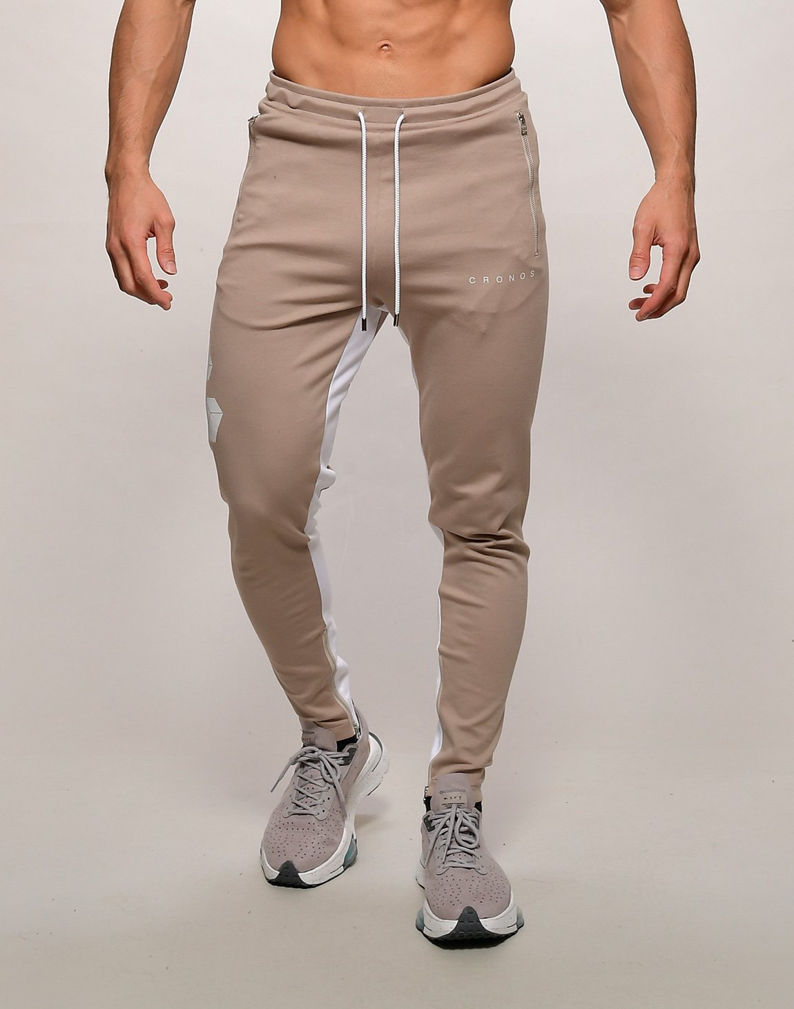 <img class='new_mark_img1' src='https://img.shop-pro.jp/img/new/icons1.gif' style='border:none;display:inline;margin:0px;padding:0px;width:auto;' />CRONOS BIG LOGO SWEET PANTS【BEIGE】