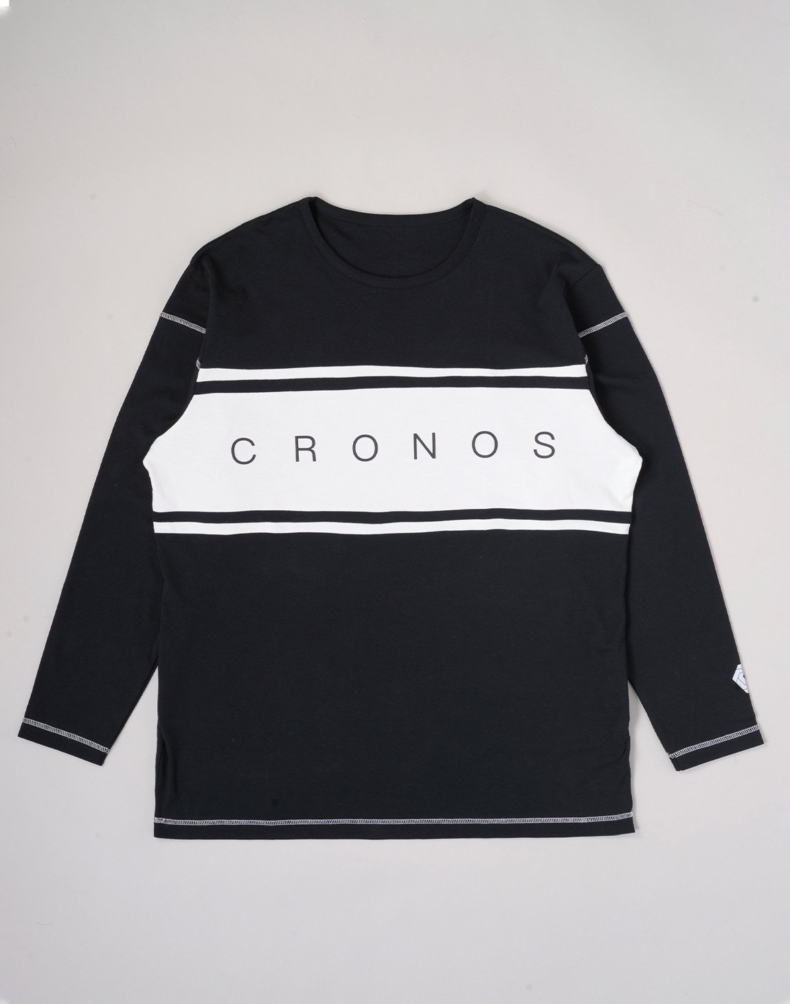 <img class='new_mark_img1' src='https://img.shop-pro.jp/img/new/icons1.gif' style='border:none;display:inline;margin:0px;padding:0px;width:auto;' />CRONOS BANNER LOGO BIG LONG SLEEVE【BLACK】