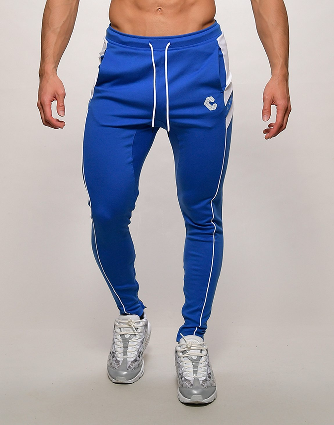 <img class='new_mark_img1' src='https://img.shop-pro.jp/img/new/icons1.gif' style='border:none;display:inline;margin:0px;padding:0px;width:auto;' />CRONOS NARROW SWEAT PANTS【BLUE】