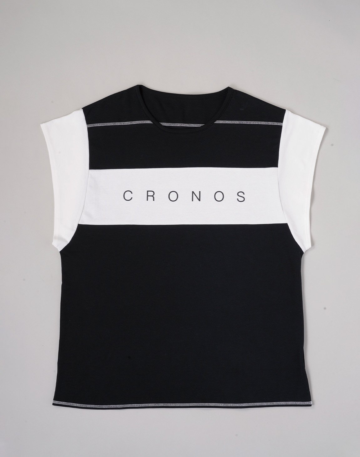 <img class='new_mark_img1' src='https://img.shop-pro.jp/img/new/icons1.gif' style='border:none;display:inline;margin:0px;padding:0px;width:auto;' />CRONOS BANNER LOGO TOPS【BLACK】