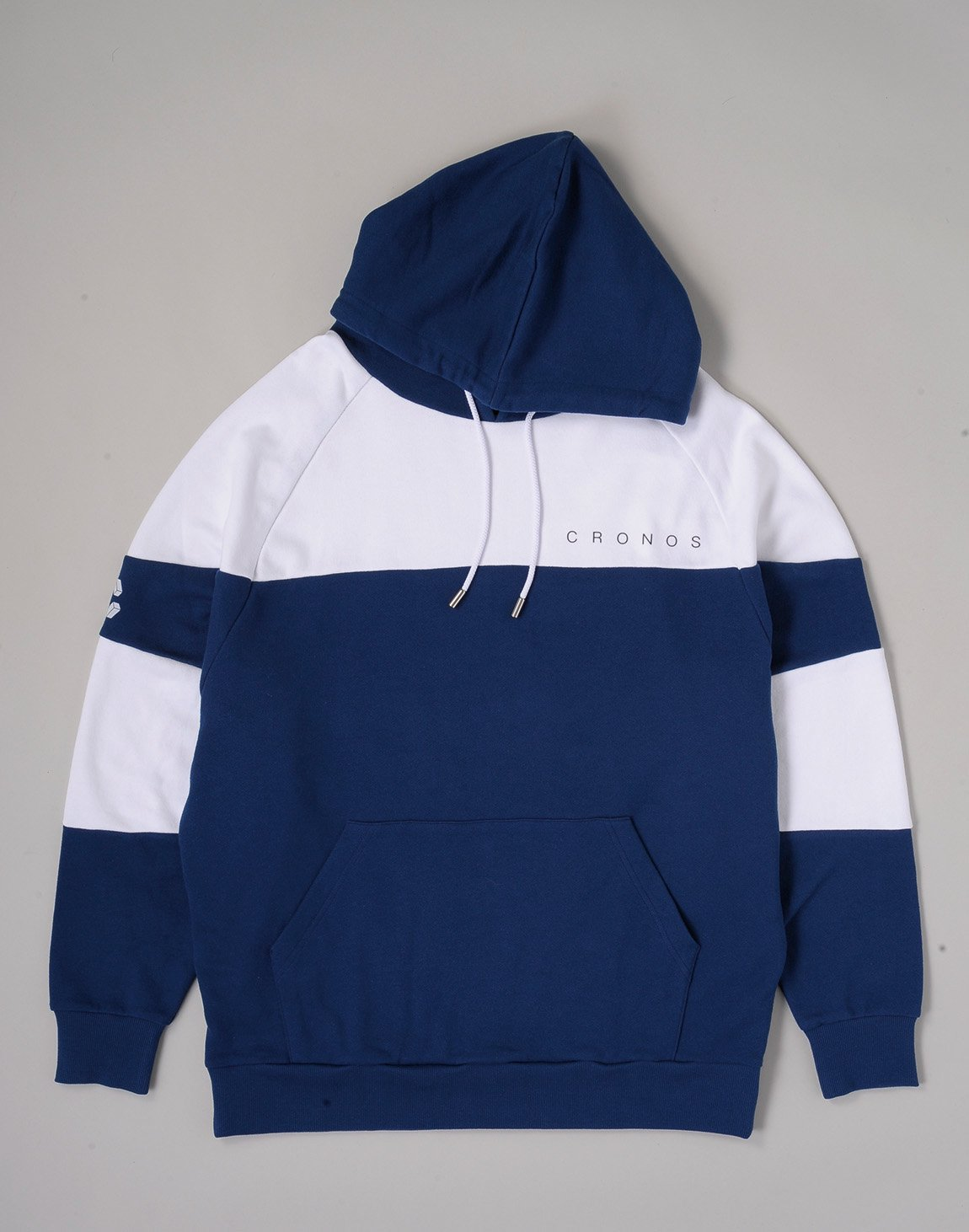 <img class='new_mark_img1' src='https://img.shop-pro.jp/img/new/icons1.gif' style='border:none;display:inline;margin:0px;padding:0px;width:auto;' />CRONOS CUT BACK BASIC HOODIE【NAVYxWHITE】