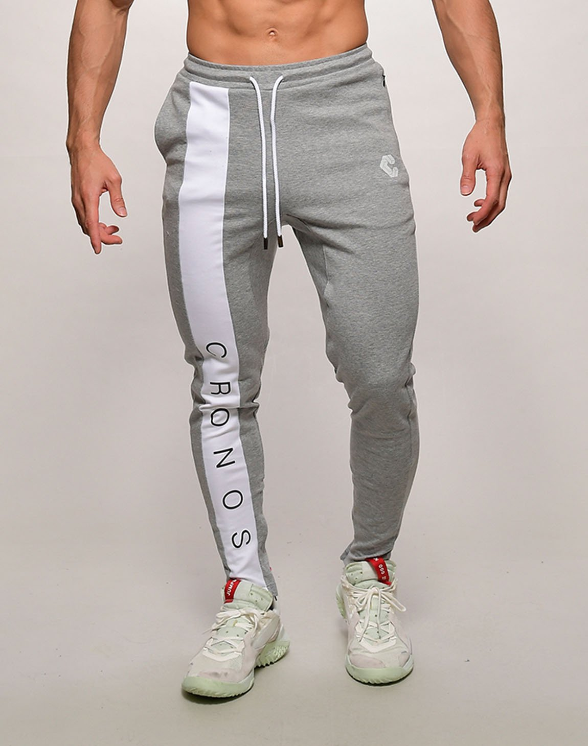 <img class='new_mark_img1' src='https://img.shop-pro.jp/img/new/icons1.gif' style='border:none;display:inline;margin:0px;padding:0px;width:auto;' />CRONOS FRONT LETTER LOGO  SWEET PANTS【GRAYxWHITE】