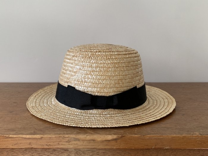 straw boarter hat