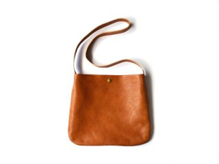 leather shoulder bag / BROWN