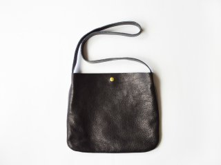 <img class='new_mark_img1' src='https://img.shop-pro.jp/img/new/icons56.gif' style='border:none;display:inline;margin:0px;padding:0px;width:auto;' />leather shoulder bag / BLACK