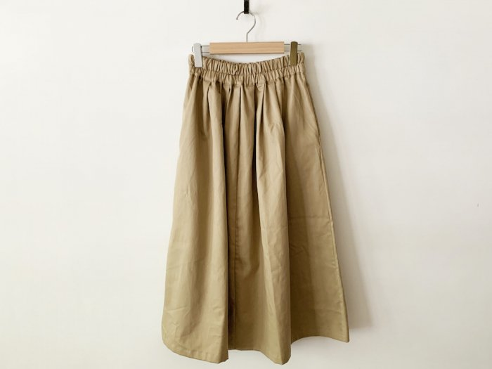 <img class='new_mark_img1' src='https://img.shop-pro.jp/img/new/icons56.gif' style='border:none;display:inline;margin:0px;padding:0px;width:auto;' />chino long skirt / BEIGE