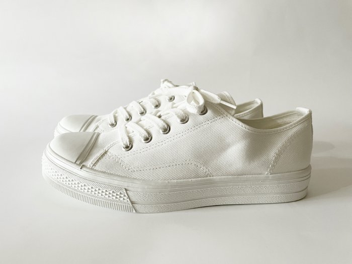 ASAHI LOW-CUT SNEAKERS / WHITE
