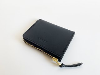 <img class='new_mark_img1' src='https://img.shop-pro.jp/img/new/icons8.gif' style='border:none;display:inline;margin:0px;padding:0px;width:auto;' />zip mini wallet  / BLACK