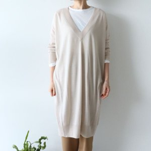 <img class='new_mark_img1' src='https://img.shop-pro.jp/img/new/icons13.gif' style='border:none;display:inline;margin:0px;padding:0px;width:auto;' />NOUVELLES DU PARADIS / Basolan wool Vネック ワンピース(3color)