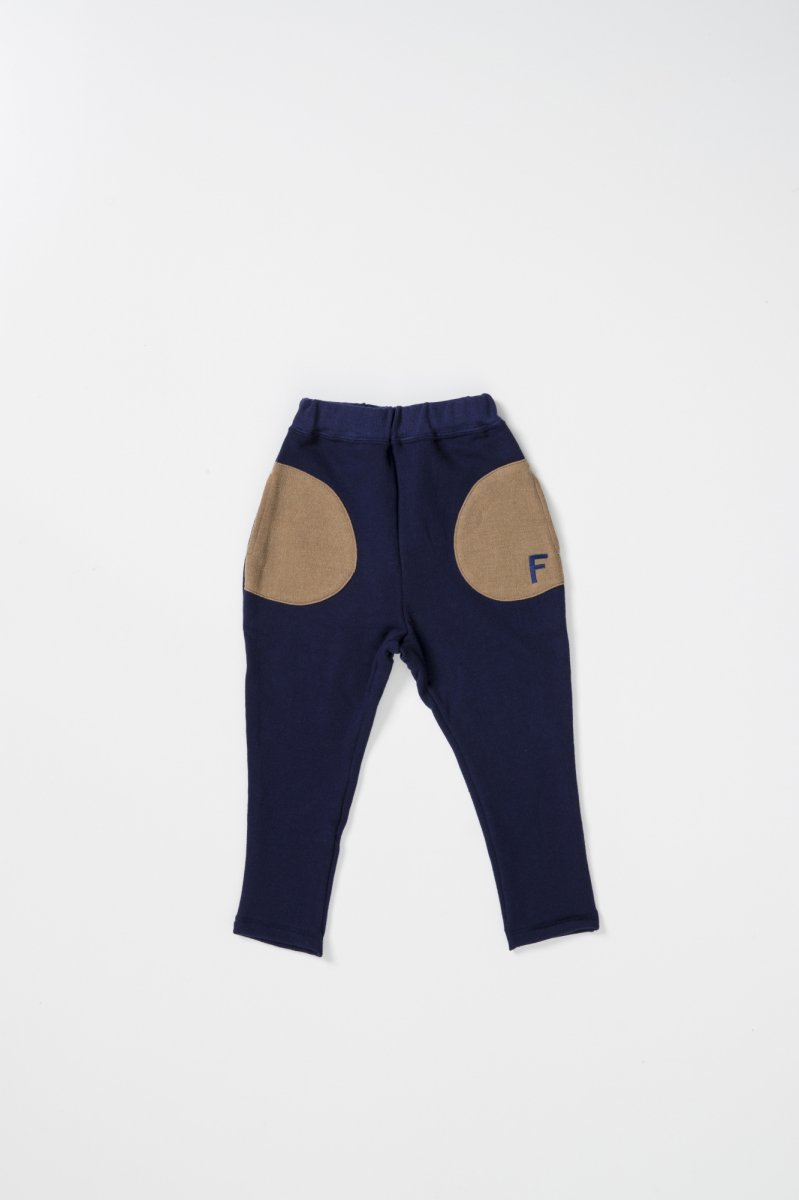 <img class='new_mark_img1' src='https://img.shop-pro.jp/img/new/icons56.gif' style='border:none;display:inline;margin:0px;padding:0px;width:auto;' />FIDES × 6°vocaLe  SWEAT LOOSE PANTS KIDS