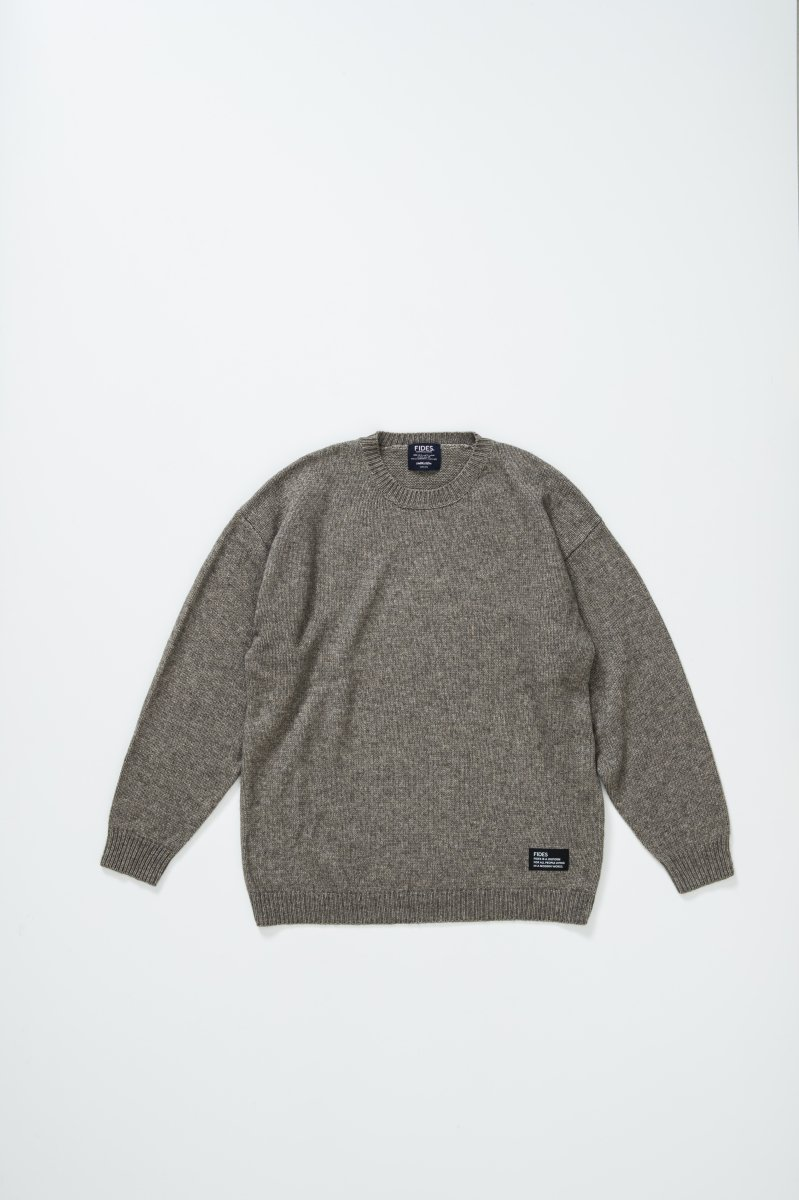 <img class='new_mark_img1' src='https://img.shop-pro.jp/img/new/icons5.gif' style='border:none;display:inline;margin:0px;padding:0px;width:auto;' />CREW NECK KNIT