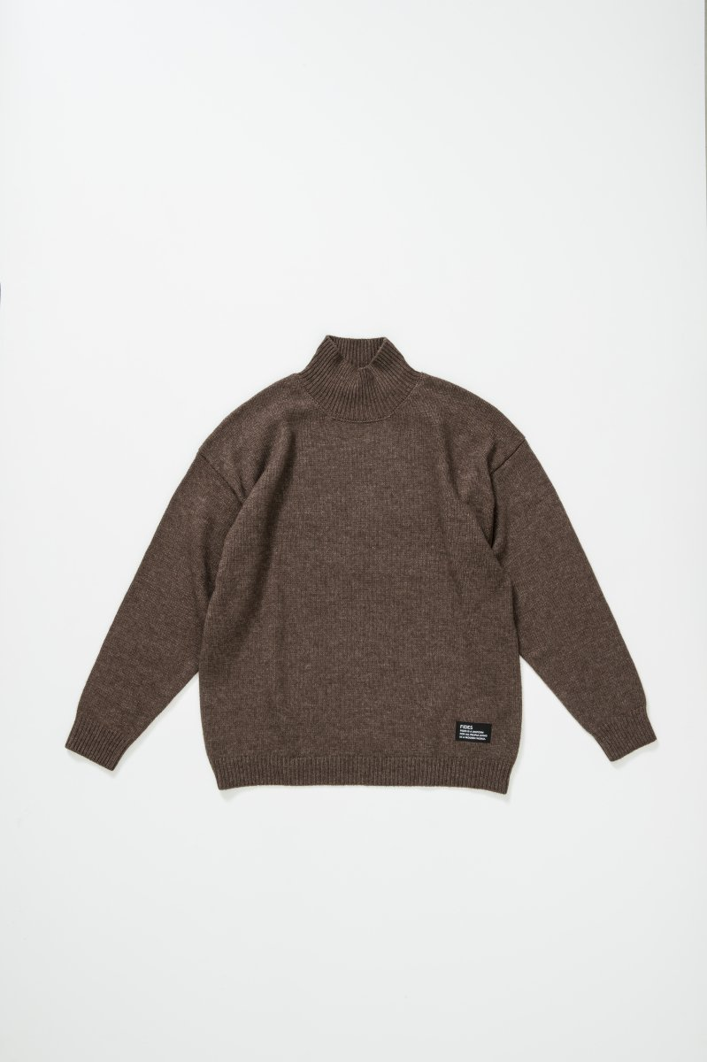 <img class='new_mark_img1' src='https://img.shop-pro.jp/img/new/icons5.gif' style='border:none;display:inline;margin:0px;padding:0px;width:auto;' />TURTLE NECK KNIT