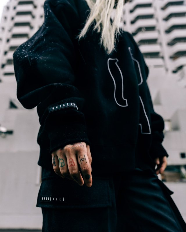 【 20%OFF 】O(A) LOGO SWEAT BLACK