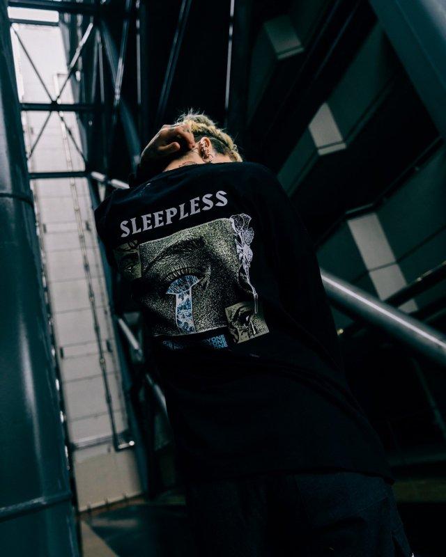 SLEEPLESS L/S TEE