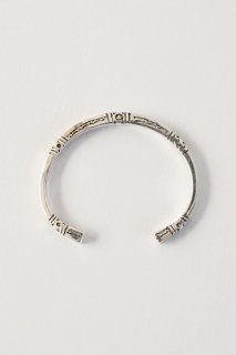 <img class='new_mark_img1' src='https://img.shop-pro.jp/img/new/icons8.gif' style='border:none;display:inline;margin:0px;padding:0px;width:auto;' />Touareg Silver  bangle 03 ( 13cm )