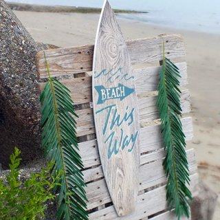 サーフボード型ウッドプラーク BEACH This Way(縦型木製看板)91.5cm