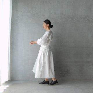 - M -  [ medium ]<br>ワンピース〈ホワイト〉