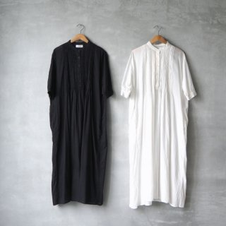 SOIL<br>ピンタックバンドカラードレス<br>〈BANDED COLLAR SHORT/SL PINTUCK DRESS〉