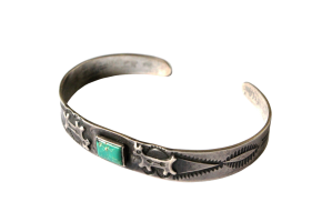 <img class='new_mark_img1' src='//img.shop-pro.jp/img/new/icons5.gif' style='border:none;display:inline;margin:0px;padding:0px;width:auto;' />Turquoise Horse Arrow Bracelet (VIJ11)