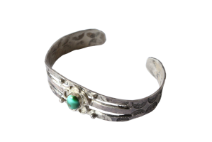 <img class='new_mark_img1' src='//img.shop-pro.jp/img/new/icons5.gif' style='border:none;display:inline;margin:0px;padding:0px;width:auto;' />Turquoise Flowre Bracelet (VIJ5)