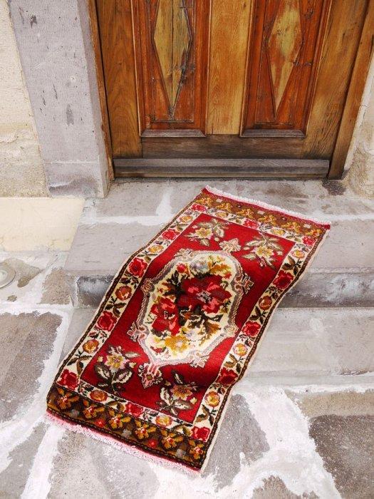 オールド絨毯 アヴァノス 小さいサイズのラグ 約111×57