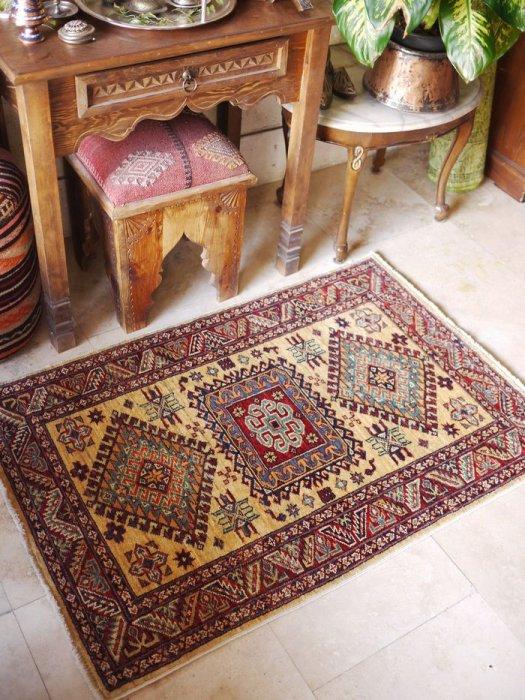 新しい絨毯 アゼルバイジャン シルヴァン 約123×83