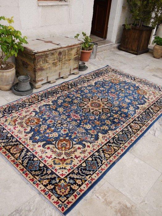 オールド絨毯 伝統的なペルシャスタイル 約273×150