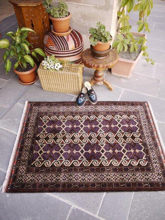 オールド絨毯 安定のトルクメン   約120×87