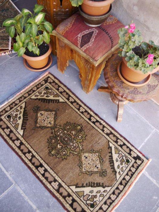 オールド絨毯 ナチュラル コンヤヤストゥック  約103×60
