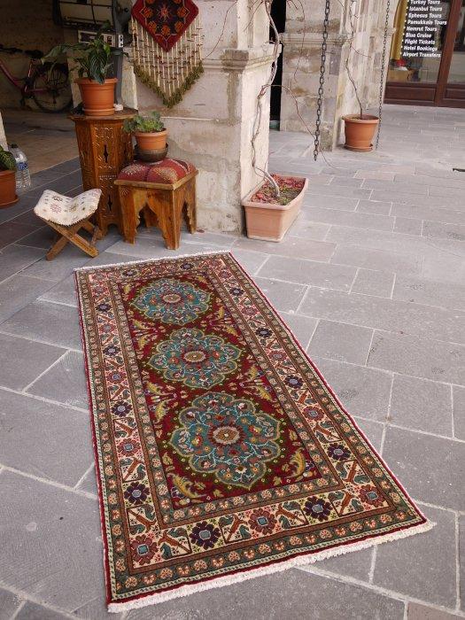 オールド絨毯  綺麗なエメラルドグリーンのメダリオン カイセリ絨毯  約193×89
