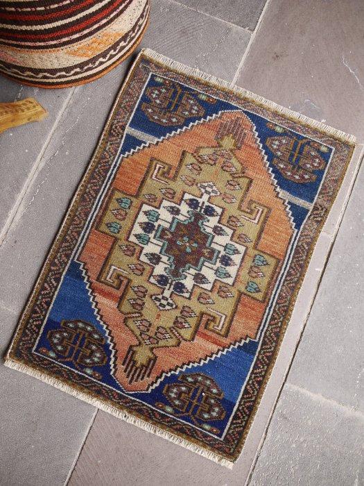 ヴィンテージ加工ラグ 小さいサイズ 約72×51