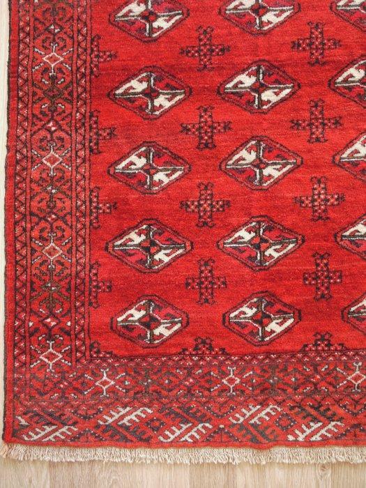 ヴィンテージラグ 赤がとても綺麗なトルクメン  約151×106