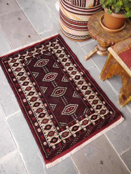 オールド絨毯 トルクメン 約104×68