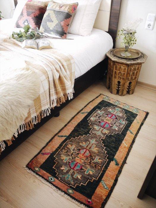 可愛いヴィンテージミニラグ カルス 約116×60