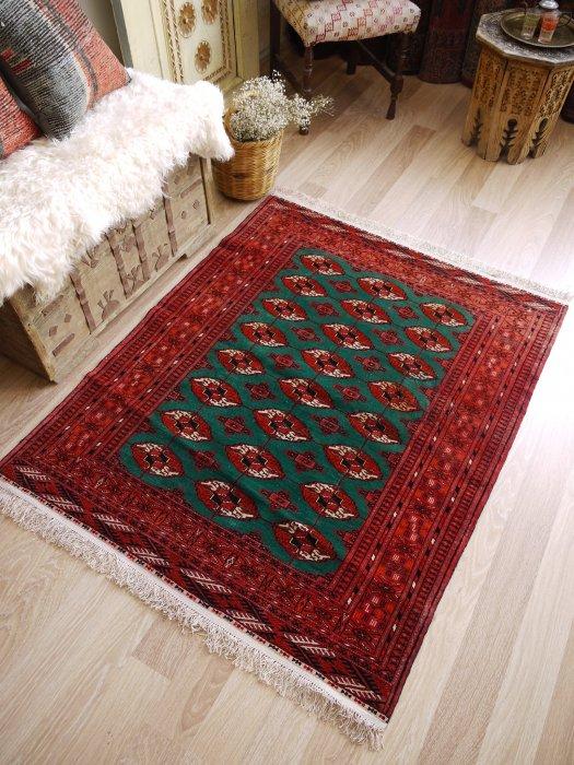 オールド絨毯 シルクのフリンジトルクメン 約136×107