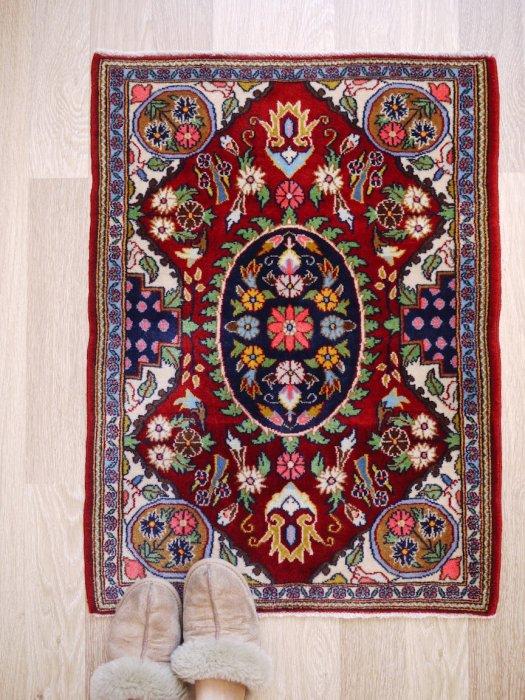 小さなペルシャ絨毯 ゴム産 約86×63