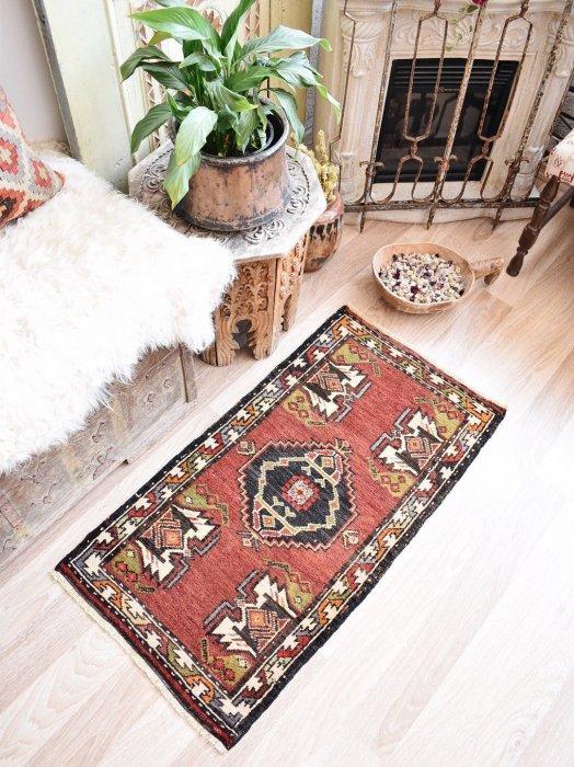 オールド絨毯 ヤストゥック ニーデ  約100×52