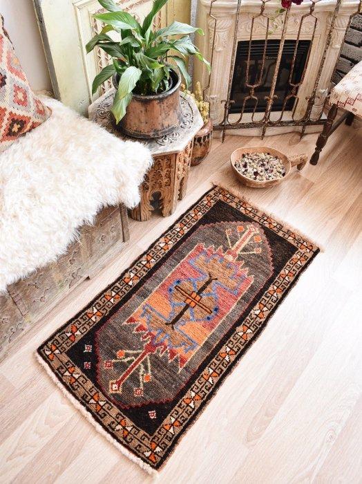 オールド絨毯 ヤストゥック カルス  約105×55