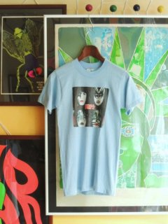 1979 KISS by SNEAKERS T-shirts