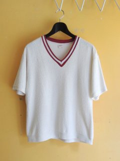<img class='new_mark_img1' src='https://img.shop-pro.jp/img/new/icons44.gif' style='border:none;display:inline;margin:0px;padding:0px;width:auto;' />1970's V-Neck Pile Shirts by J.C.Penny