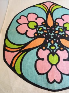 1970's linen napkins by peter max �