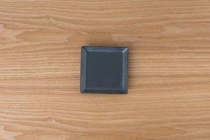 SQUARE | 角皿(小) 黒鉄砂