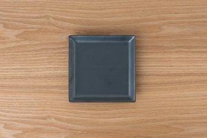 SQUARE | 角皿(中) 黒鉄砂