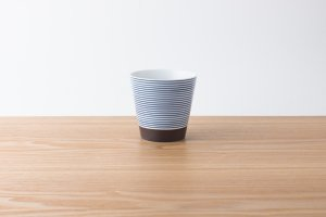 ARITA PORCELAIN LAB | カップ 呉須千段(藍)