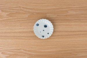 古染付 | 菊型小皿 水玉