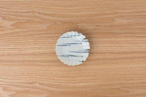 古染付 | 菊型小皿 波線