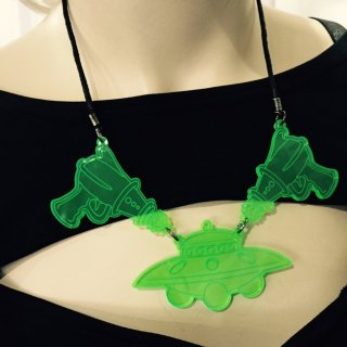 illumi : UFOxRaygun Necklace