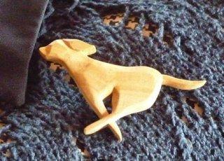 走る犬 オリーブ