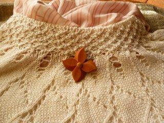 ヤマボウシの花のブローチ 〜桜の木のブローチ〜